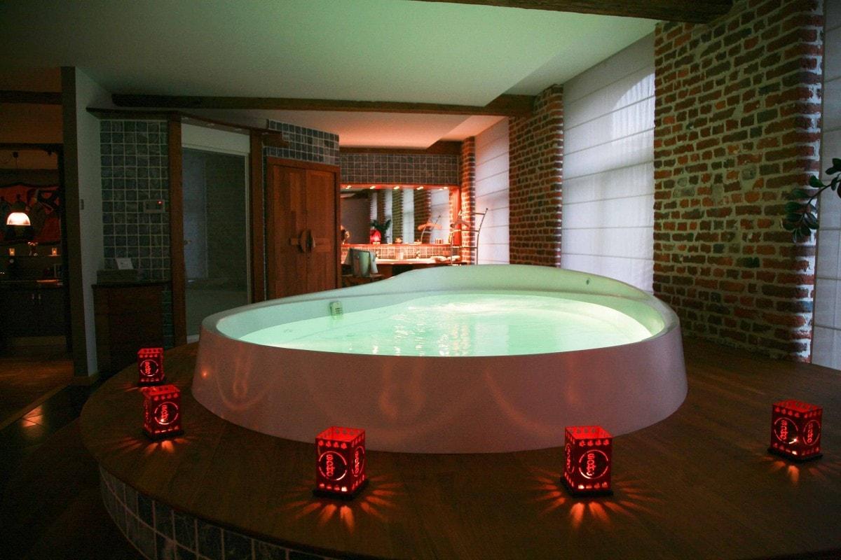 Christmas chambre d hotel avec jacuzzi privatif paca chambre for Chambre romantique paca
