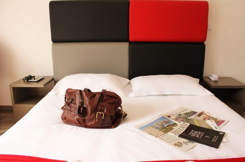 Adonis hôtel & résidences - aix-en-provence à éguilles