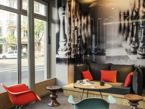 Hôtel ibis Paris Avenue de la Republique