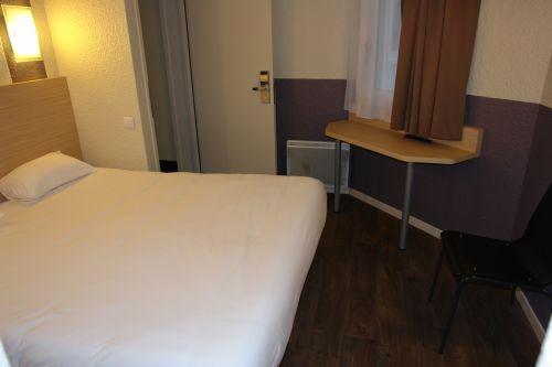BRIT HOTEL CAEN EST - MONDEVILLE